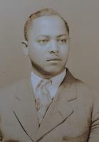 http://scarletandblackproject.com/fileupload/Eason-1929-bio-file-photo-sr.jpg